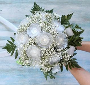 DIY Bouquet dalla plastica delle uova